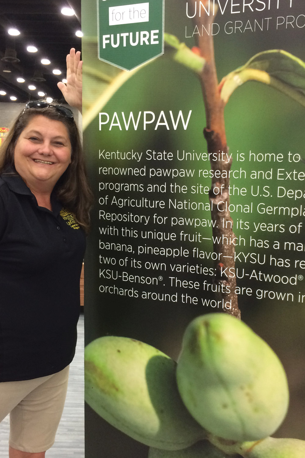 Joni Nelson, KY State University Extension Specialist at KY State Fair pawpaw exhibit.