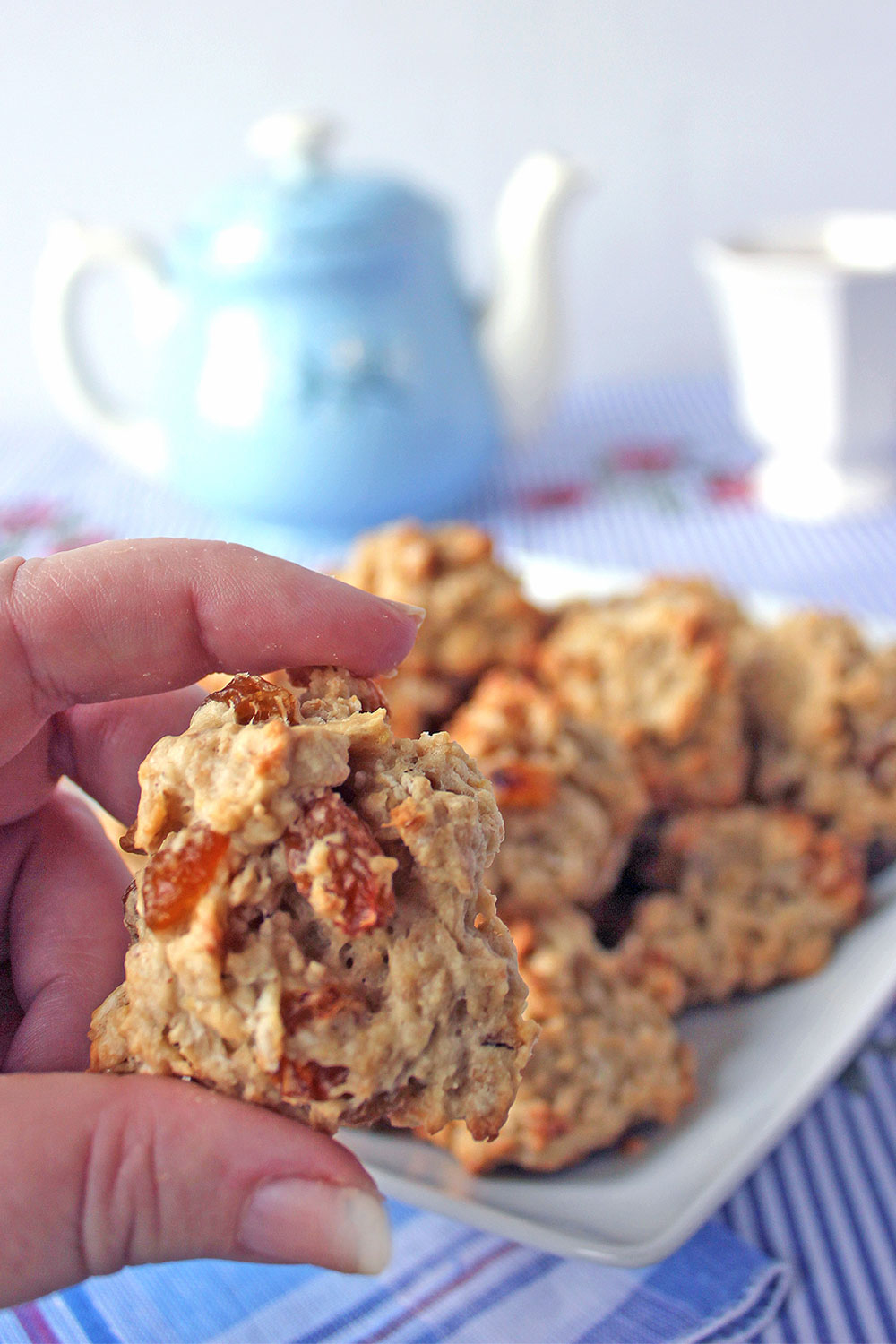 Golden raisins and apple butter are the secret to oatmeal raisin cookies